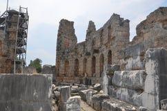 罗马帝国的最美好的工作Perge市在土耳其,超级现代文明废墟,城堡 免版税图库摄影