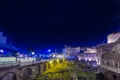 罗马广场的夜视图 免版税库存图片