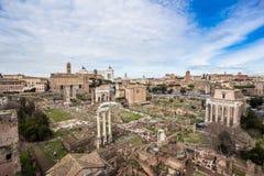 罗马广场,从毛皮围巾的小山的看法 免版税库存图片