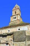 罗马废墟和老基督教会IV世纪在村庄Densus,特兰西瓦尼亚, Romaniaa 免版税库存图片