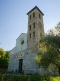 罗马式教区教堂在Valdicastello皮耶特拉桑塔 免版税库存图片