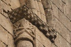 罗马式窗口细节 免版税库存照片