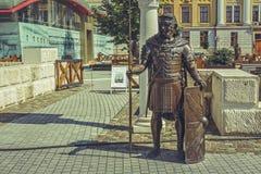 罗马战士古铜雕象 库存图片