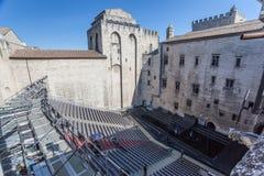 罗马教皇的宫殿阿维尼翁法国剧院 库存照片