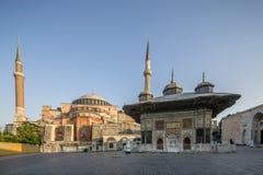 罗马数字3 Ahmet喷泉和Haghia索菲娅博物馆在法提赫区o 图库摄影