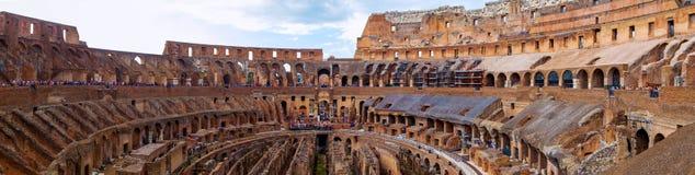 罗马斗兽场和罗马 免版税库存图片