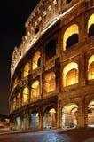 罗马斗兽场在夜之前 免版税库存照片