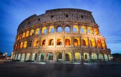 罗马斗兽场在罗马,意大利在晚上 免版税图库摄影