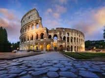 罗马斗兽场在黄昏的罗马 免版税库存照片