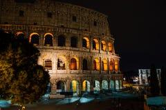 罗马斗兽场夜间,罗马,意大利 免版税库存图片