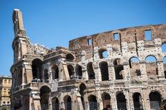 罗马斗兽场是Vespasian修造的Flavian圆形露天剧场在什么是Nero's金黄议院湖  免版税库存图片