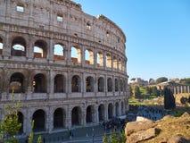 罗马斗兽场,亦称Flavian圆形露天剧场有游人的在罗马,意大利 免版税图库摄影