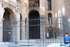 罗马斗兽场-罗马,意大利曲拱  免版税库存图片