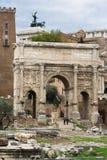 罗马曲拱的论坛 免版税库存照片