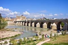 罗马桥梁在科多巴 免版税图库摄影