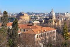 罗马的雄伟看法从Janiculum小山的高度的 免版税库存图片