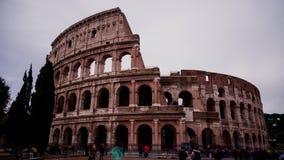 罗马罗马斗兽场的定期流逝与参观罗马的游人的 股票录像