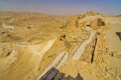 罗马舷梯侧视图,马萨达堡垒,以色列 免版税库存图片