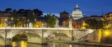 罗马著名看法在夜之前 免版税库存图片