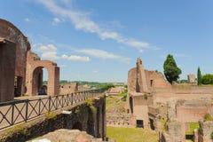 罗马论坛在市的中心罗马,意大利 免版税图库摄影