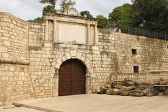 罗马门和城市墙壁 扎达尔 克罗地亚 库存照片