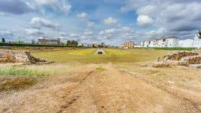 罗马马戏的废墟在梅里达,多云天 免版税图库摄影