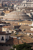 罗马,万神殿鸟瞰图全景风景 免版税图库摄影