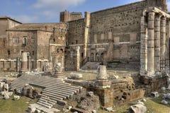 罗马,奥古斯都-接近的看法论坛  免版税库存图片