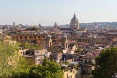 罗马,意大利地平线  罗马建筑学和地标 都市风景罗马 图库摄影