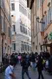 罗马,意大利狭窄的街道  免版税库存图片