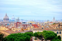 罗马,意大利鸟瞰图屋顶 免版税库存照片