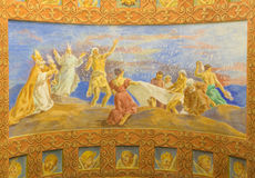 罗马,意大利:壁画会集精神食粮的犹太人在教会大教堂二的圣玛丽亚Ausiliatrice沙漠1957-1965 免版税库存图片