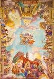 罗马,意大利:教会的壁画胜利在无背长椅的1957-1965在教会大教堂二圣玛丽亚Ausiliatrice穹顶  免版税库存照片