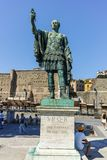 罗马,意大利- 2017年6月23日:奥古斯都论坛和雕象惊人的看法在市罗马 库存图片