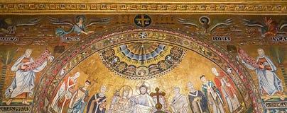 罗马,意大利2017年10月9日:教堂的内部圆顶  免版税库存图片