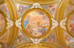 罗马,意大利- 2016年3月12日:圣凯瑟琳壁画荣耀在旁边圆屋顶的在基耶萨二圣玛丽亚del Orto 库存照片
