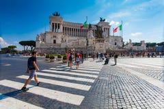 罗马,意大利- 2016年9月13日:在国家历史文物的看法对胜者伊曼纽尔II -统一的意大利的第一位国王在罗马,  免版税库存照片