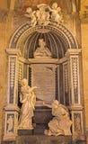 罗马,意大利- 2016年3月10日:对主要彼得罗Basadonna的大理石纪念品在教会Basilica di圣Marco里菲利波Carcani 图库摄影