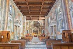 罗马,意大利- 2016年3月11日:教会Basilica di圣维塔利教堂中殿  库存图片