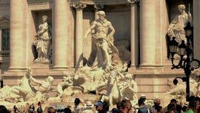 罗马,意大利2018 6月28日Trevi喷泉或Fontana di Trevi 4k录影 股票视频