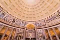 罗马,意大利- 6月08 :万神殿在罗马, 2014年6月的08日意大利 免版税库存图片