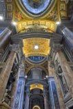 罗马,意大利- 6月01 :圣皮特圣徒・彼得的大教堂在梵蒂冈,罗马, 2016年6月01日的意大利 免版税库存照片