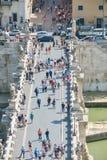 罗马,意大利- 6月01 :天使Castel Santangelo桥梁在罗马, 2016年6月01日的意大利 免版税库存图片