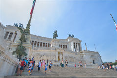 罗马,意大利- 6月01 :广场Venezia和胜者伊曼纽尔II纪念碑在罗马, 2016年6月01日的意大利 免版税库存图片