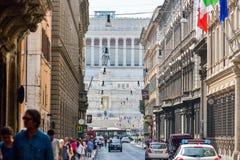 罗马,意大利- 6月01 :广场Venezia和胜者伊曼纽尔II纪念碑在罗马, 2016年6月01日的意大利 免版税库存照片