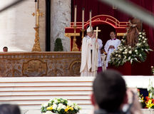 弗朗西斯During His Inauguration教皇大量 免版税库存照片