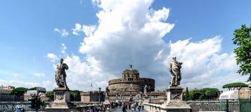 罗马,拉齐奥,意大利 2017年5月25日:在亚诺河cal的桥梁 免版税库存图片