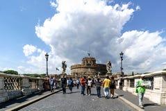 罗马,拉齐奥,意大利 2017年5月25日:在亚诺河cal的桥梁 库存照片