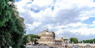 罗马,拉齐奥,意大利 2017年5月25日:在亚诺河cal的桥梁 库存图片