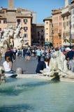 罗马,游人在纳沃纳广场 免版税图库摄影